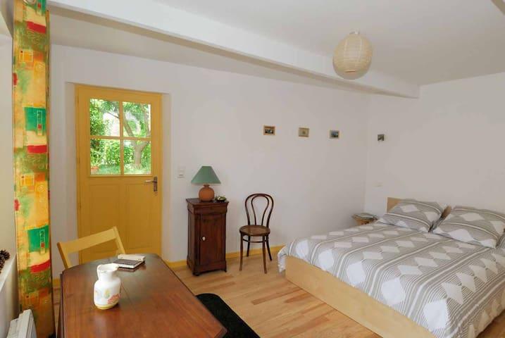 chambre chez l'habitant, chambre d'hôtes - Anjou - Bed & Breakfast