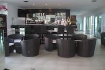 The Palms Bar