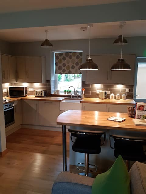2 Bedroom cottage in the heart of Royal Deeside