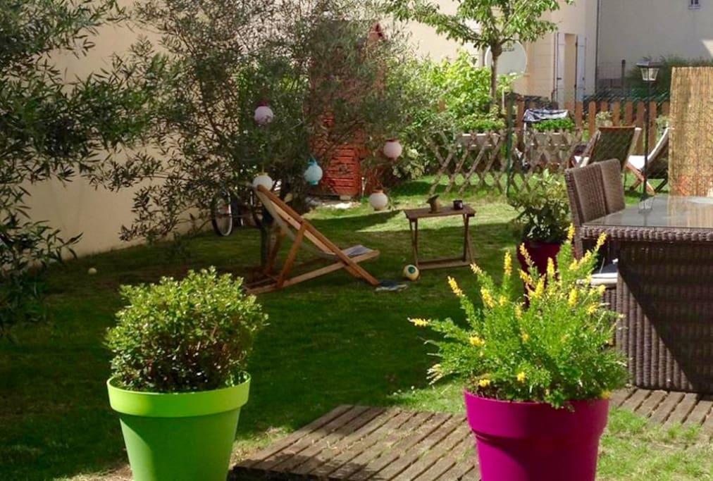 Rez de jardin 10min de paris appartements louer for Appartement rez de jardin paris