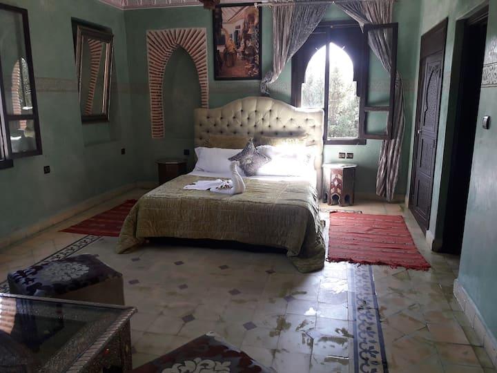 chambre bien equipé à 30 euro