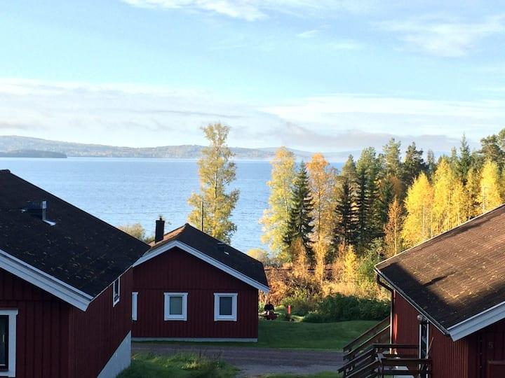 Hus med vacker utsikt över Siljan vid Rättvik