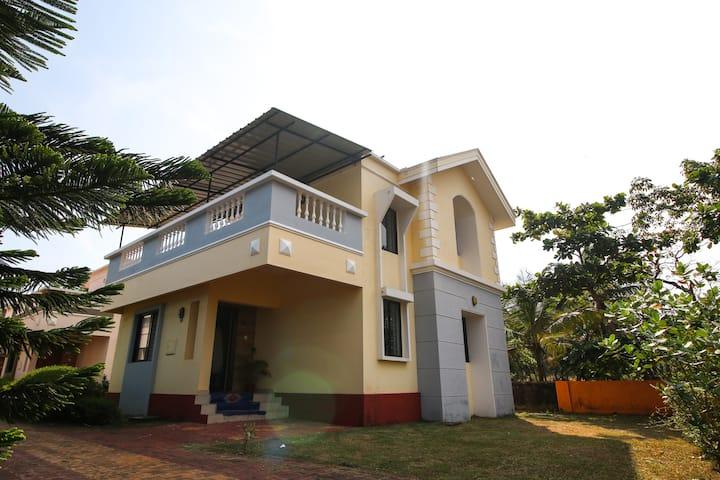 Mangalore Beach House: Villa By The Beach