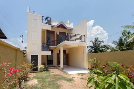 Brand new house awaits to welcome - Negombo