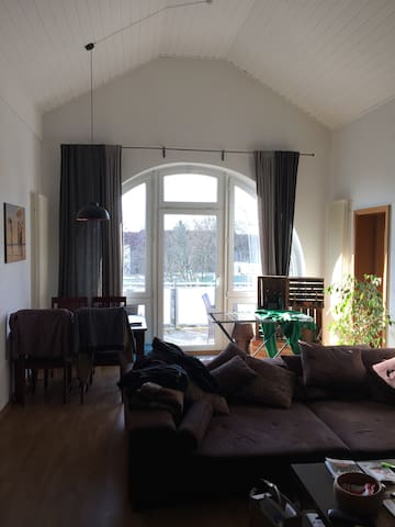 nice bright room in the north of Berlin
