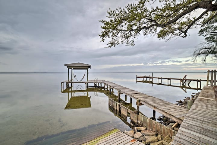 Though the dock is under repairs, guests cans till enjoy the sunset view!