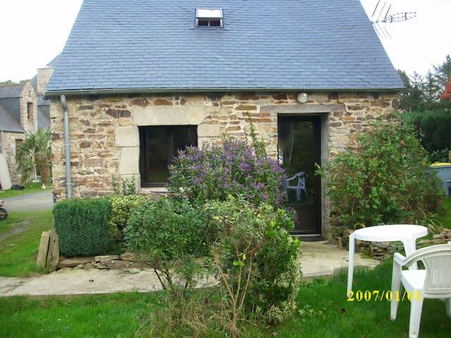 Maisonnette en campagne - Lannion - House