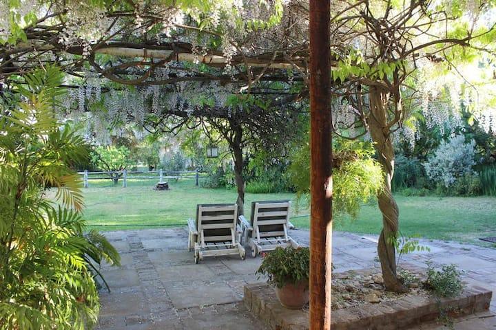 Acacia Annexe