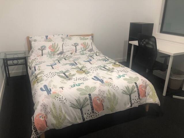 PRIVATE DOUBLE ROOM IN COBURG