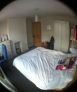 Spacious, clean and comfortable - High Wycombe