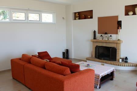 1SG31 Sunny maisonette in Xilokastro - Xilokastro - Casa