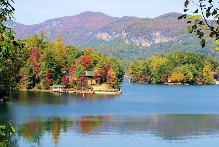 Fox Run Lake Lure Townhome Sleeps 8