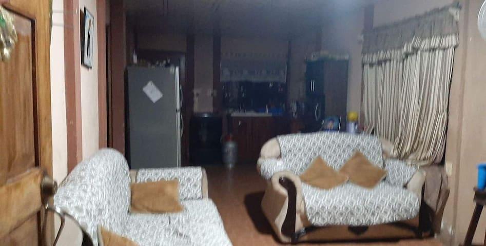 Casa privada, compras en Paso Canoas