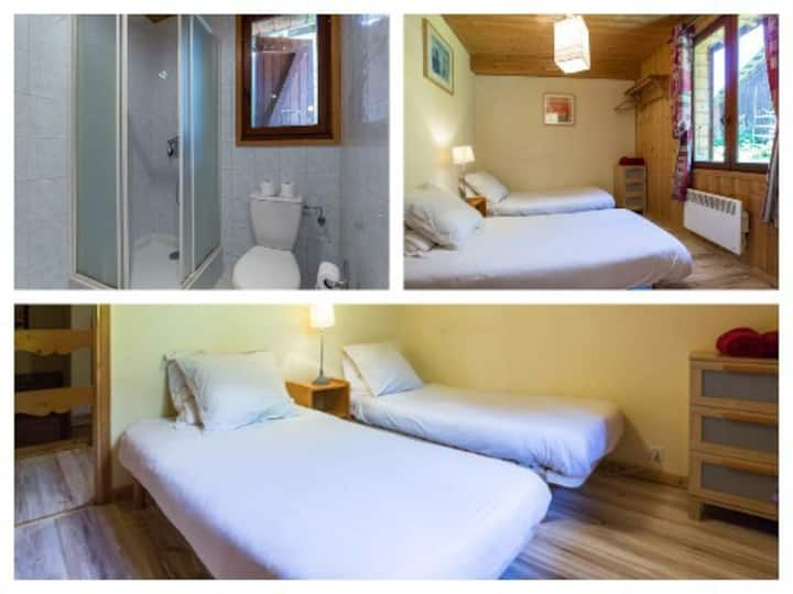 Le Mazot private twin ensuite bedroom Morzine