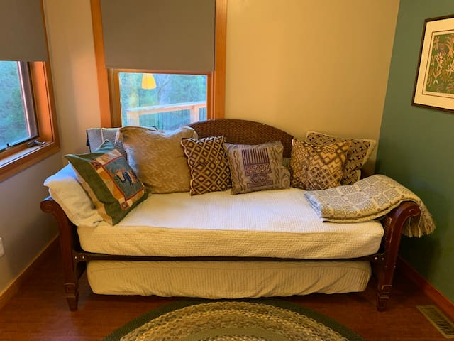 With this trundle bed, the Study can serve as a bedroom for two.