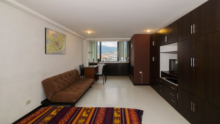 Fully Furnished Apartment in Central Plaza, Cuenca