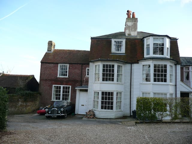 Large Twin Room, Oak Cottage, Castle Road, Cowes - Cowes - Bed & Breakfast
