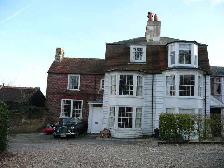 Large Twin Room, Oak Cottage, Castle Road, Cowes