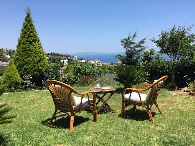 Garden apartment- amazing sea view