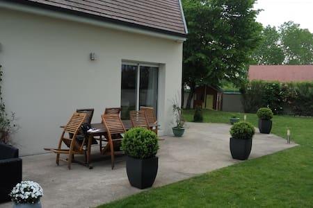 Chambre  à Rouvres en Plaine (proche de Dijon) - Rouvres-en-Plaine