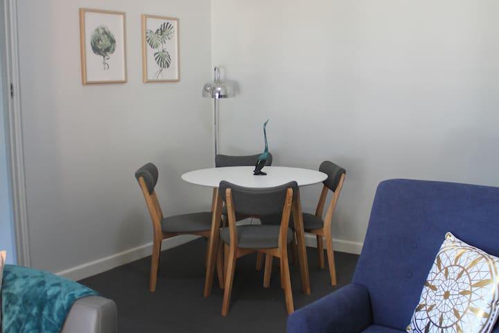 Sunny Ground Floor 2 Bedroom Maroubra Unit