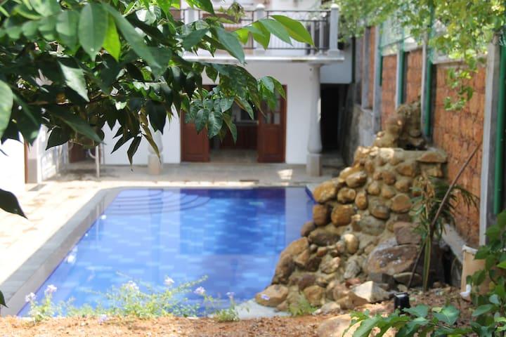 Siriniwasa Luxury Villa