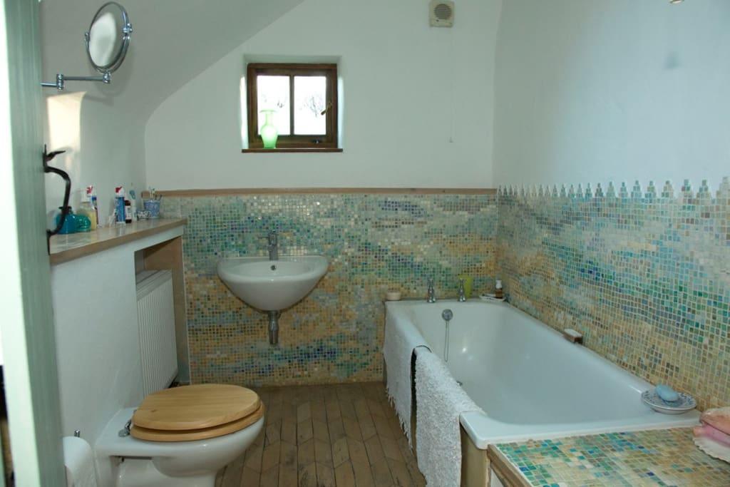 Guest bathroom, with handmade tiles.