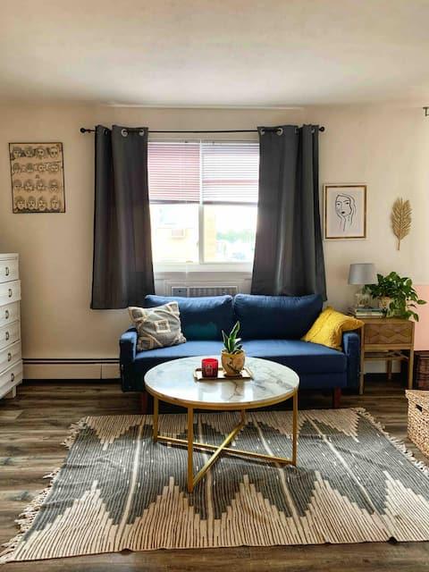 Cozy Studio Apartment!