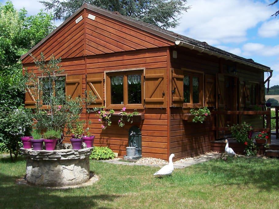 Ma cabane au fond du jardin chalets louer garennes - Cabane au fond du jardin zimboum villeurbanne ...