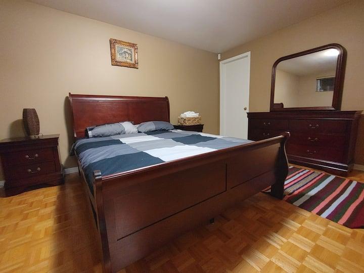 Warm, Cozy, & Clean Private Room