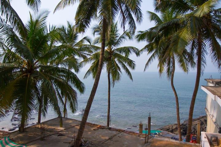 Om Ganesh Guest House Arambol Goa Sea view