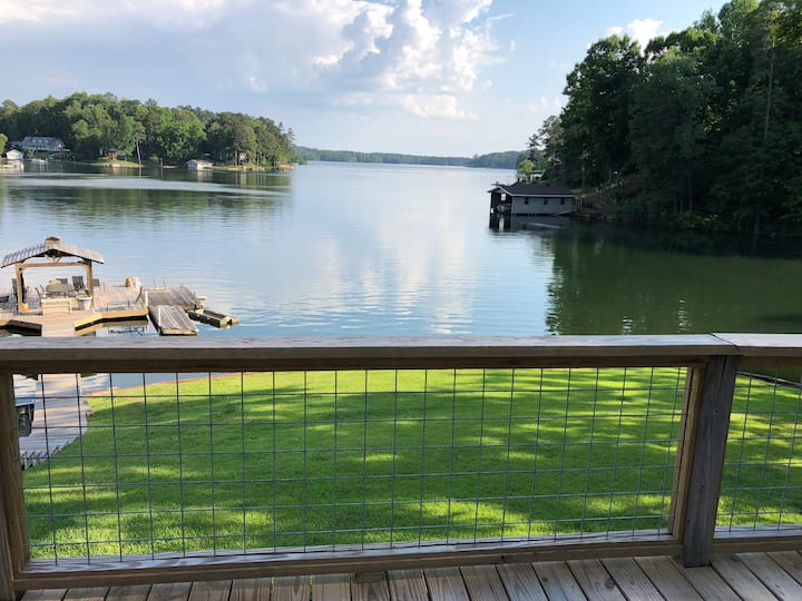 Duck Cove Hideaway! No better place on Lake Martin