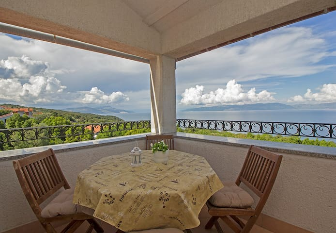 Apartment with gorgeous view for 6 persons