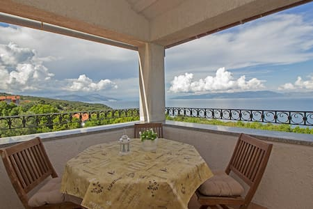 Apartment with gorgeous view for 6 persons - Labin - Huoneisto
