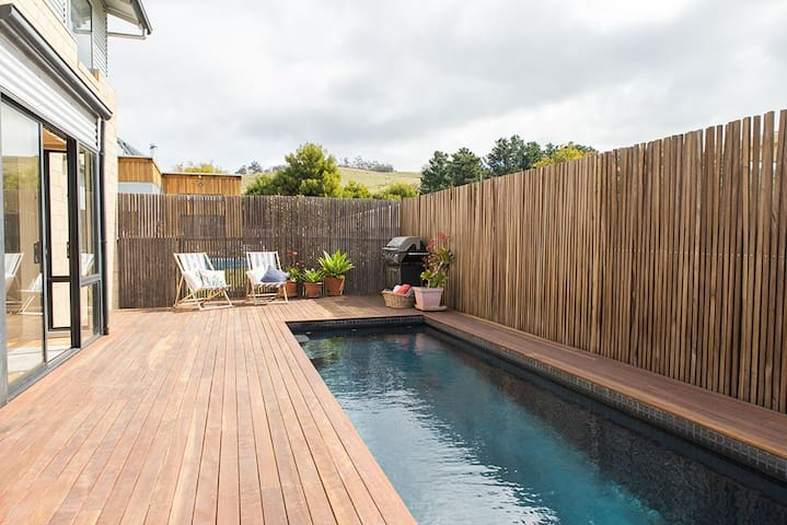 Ultimate beachhouse 25 mins from Hobart CBD