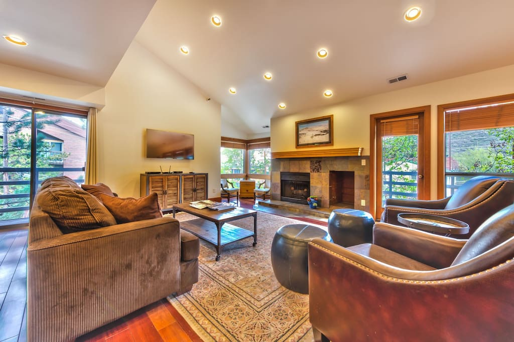 arge Living Area with Flat Screen TV, Pullout Queen Sleeper and Wood Burning Fireplace