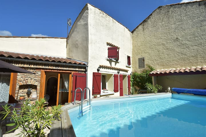 Charming village house with swimming pool, within walking distance of bakery, restaurants and river