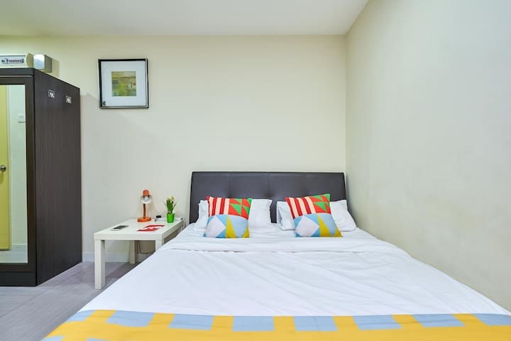 Commodious 1BR Stay in Kuala Lumpur (8.9 km-Railway Station)