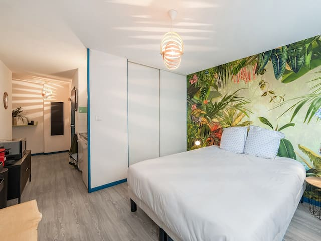 MEDIUM STAY ONLY - Modern and atypical studio in Lyon - WELKEYS