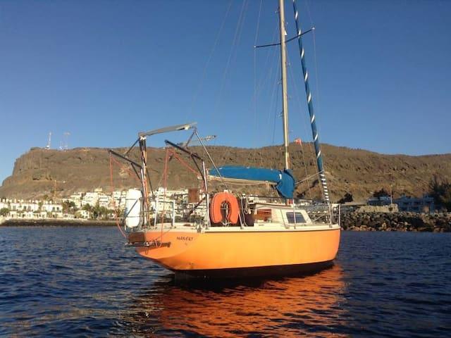 Sunny Sailboat available in Puerto de Mogan - Mogán - Barca