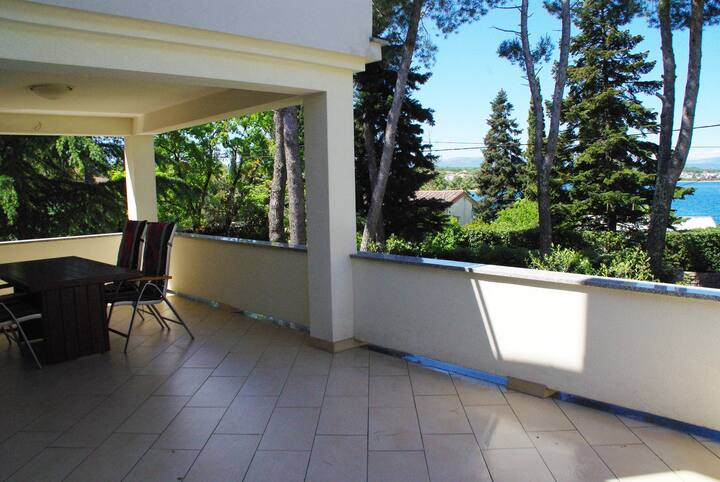 Apartment Atrium Malinska -large terrace