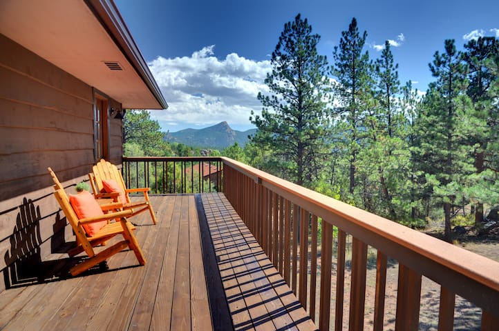 Remodeled cabin/house, walking distance to town