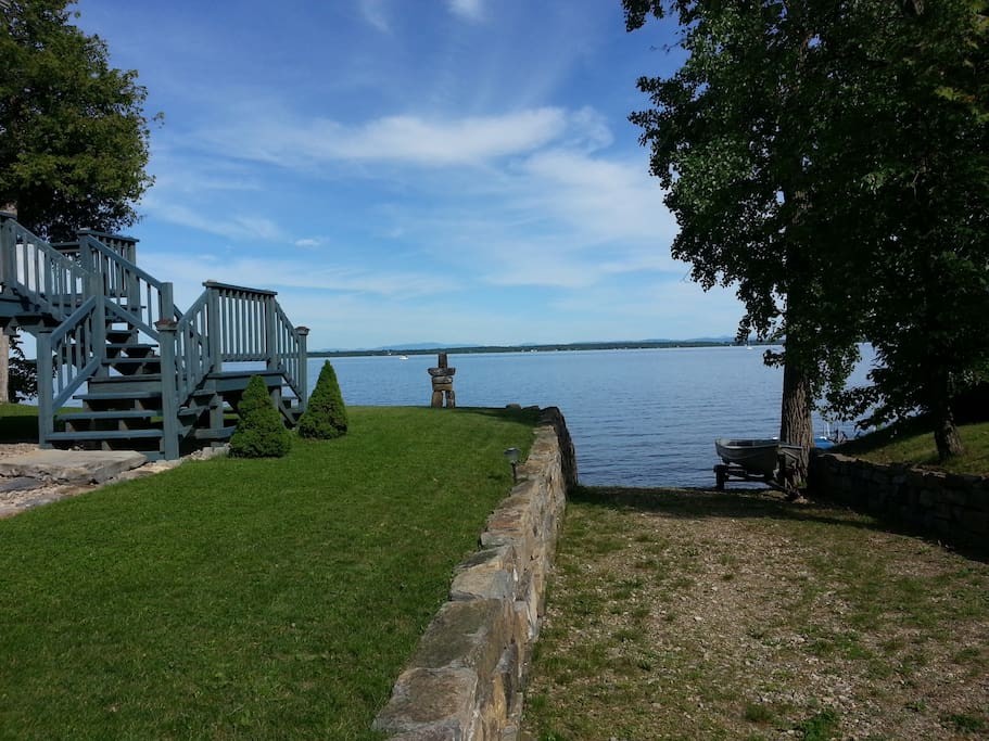 Lakefront home lake champlain cottages for rent in for Lake champlain cabins and cottages