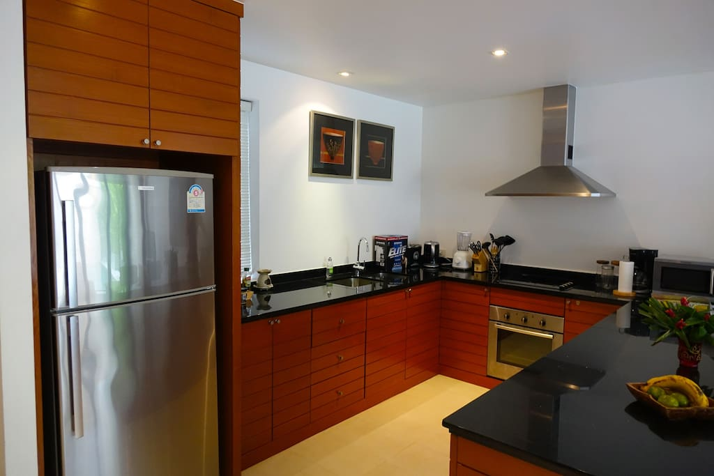 Fully equipped kitchen with modern appliances such as oven, microwave, fridge/freezer etc. Daily cleaning service for the villa available.
