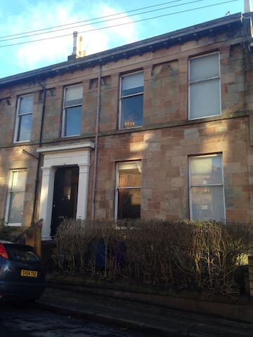 Cosy wee flat in listed townhouse - Glasgow - Huis