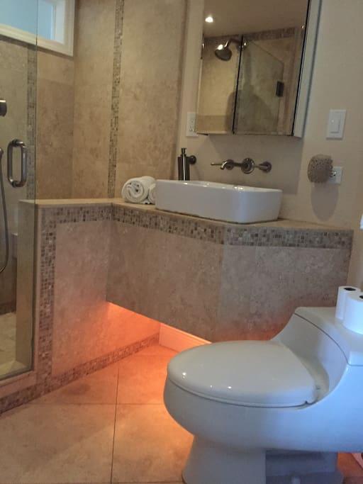 Superior en-suite bathroom.