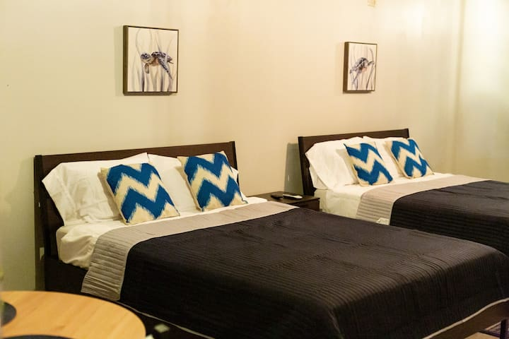 Loft 303 : Why  Compromise? Stay @ Las Alturas 107