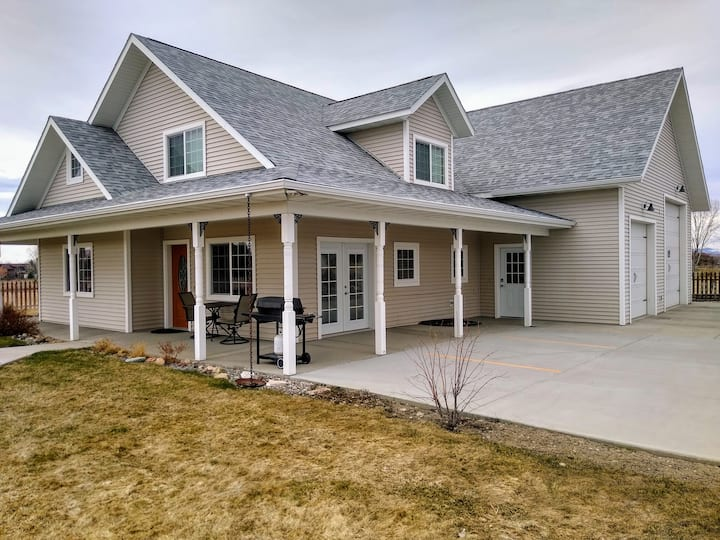 Quiet, comfortable country home close to town.