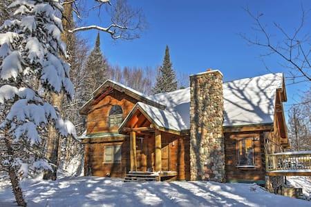 'Copper Lodge' Modern 3BR Gleason Cabin!