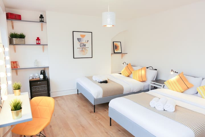 70% LOWERED RATE Superb Room in Camden Town London